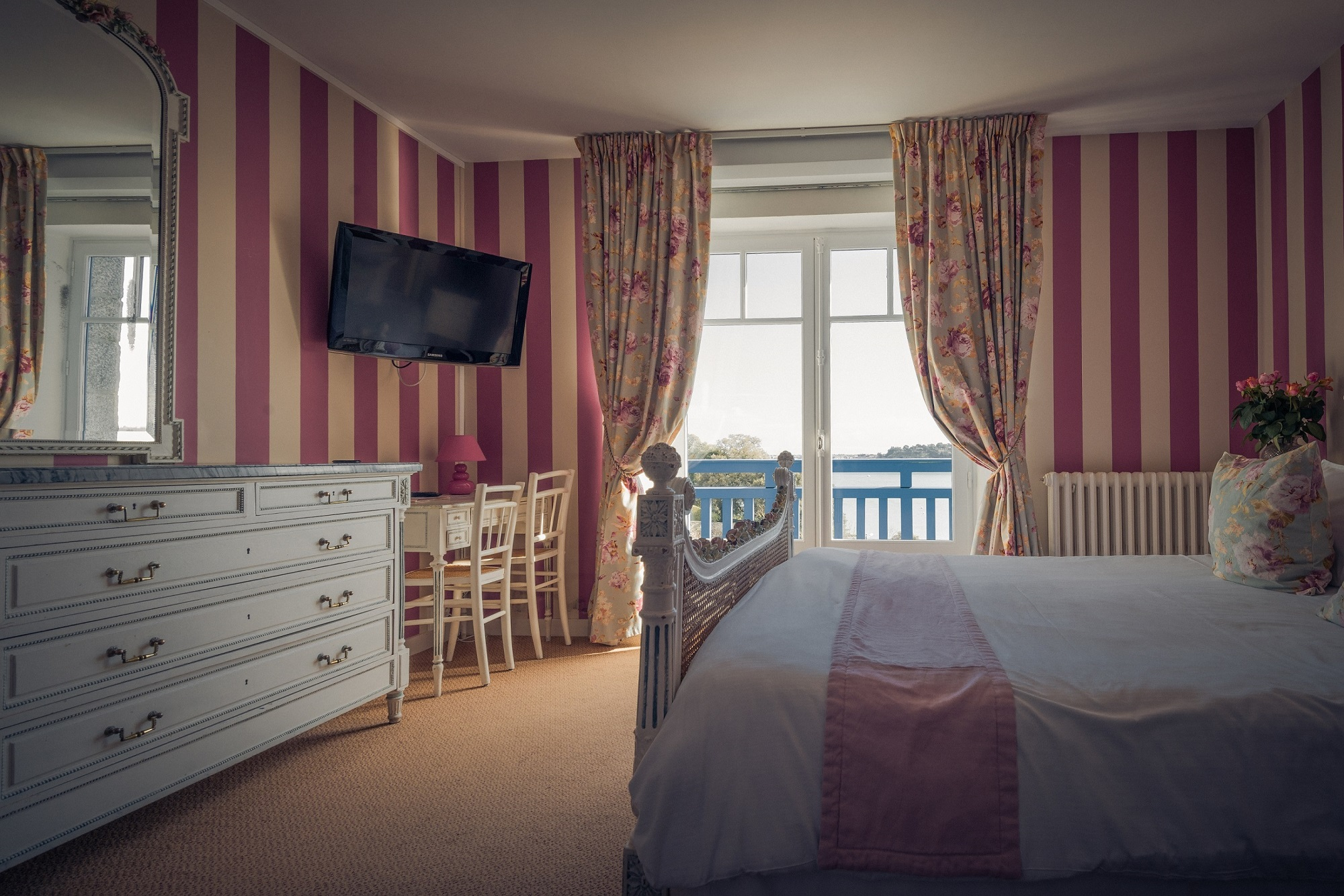 hotel dinard vue sur mer et saint malo le printania hotel 2 toiles nos tarifs. Black Bedroom Furniture Sets. Home Design Ideas