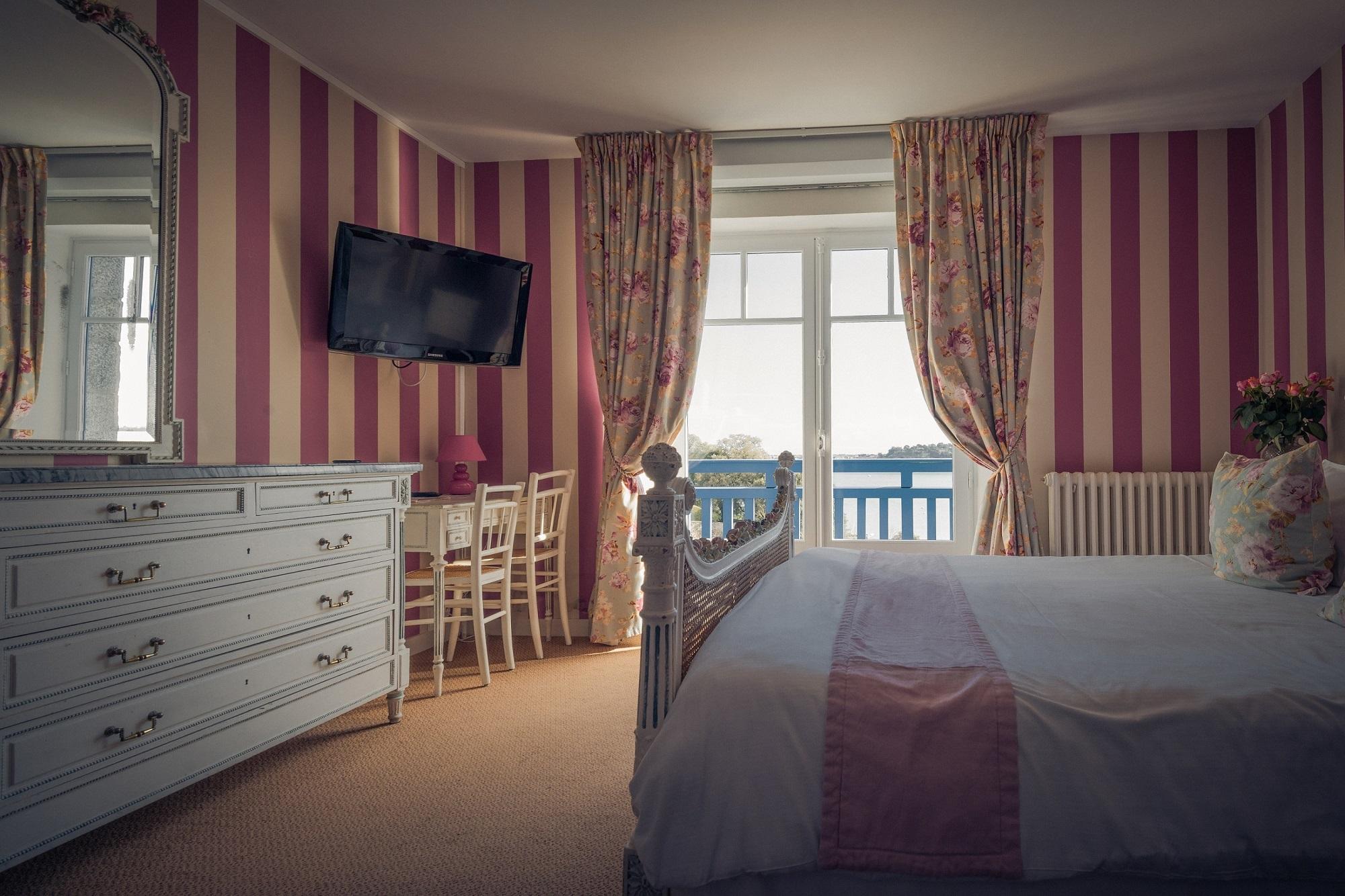 hotel dinard vue sur mer et saint malo le printania hotel 2 toiles nos tarifs. Black Bedroom Furniture Sets. Home Design Ideas